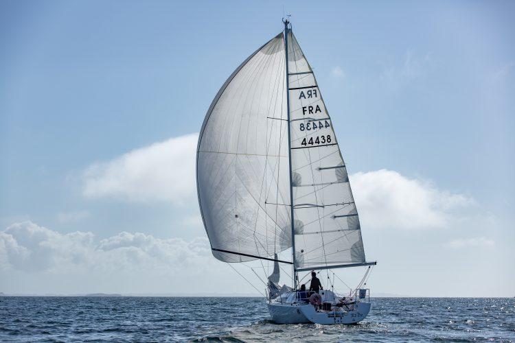 saileazy trinitÇ sun fast 3200 R2D2 101 e1591344608430 - Coaching Voile, La Trinité-sur-Mer